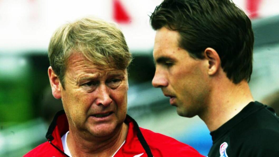 <strong>INGEN KJENNSKAP:</strong> Åge Hareide (t.v.) var landslagstrener for Claus Lundekvam. Han kjenner ikke til landslagsspillere som kjøpte sex, slik Claus Lundekvam hevder i en ny bok. Foto: NTB Scanpix