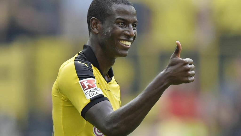 NY SEIER: Borussia Dortmund står med full pott og leder tysk den bundesligaen etter tre kamper. Søndag ble Per Ciljan Skjelbreds Hertha Berlin slått 3-1 hjemme. Foto: AP Photo/Martin Meissner