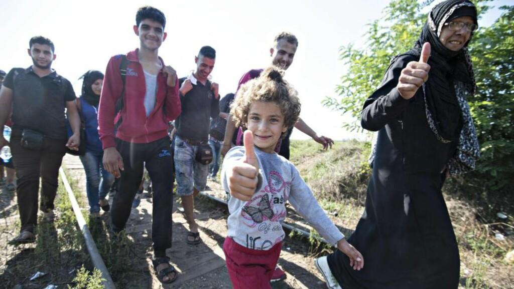 MOT EUROPA: Raghad (5) og familien flyktet fra Syria etter at terrorgruppa IS tok hjembyen deres. Nå håper de på et bedre liv i Europa. Foto: HANS ARNE VEDLOG