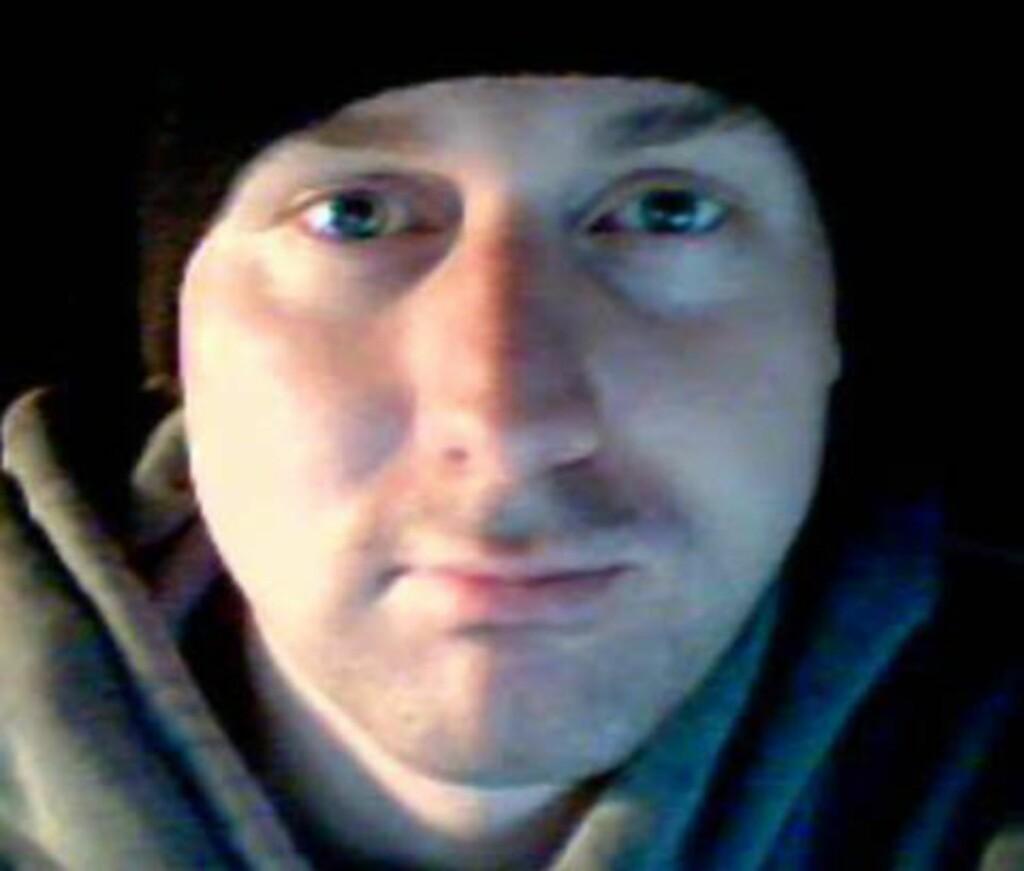 FORFATTEREN: Norskamerikanske Jeremy Hoff (34) sier han har skrevet «22. juli-profetien» for å vise hva som skjer når menneskene ikke følger Guds ord, og for å hindre at slike fryktelige ting skjer i Norge i framtida. Foto: Privat