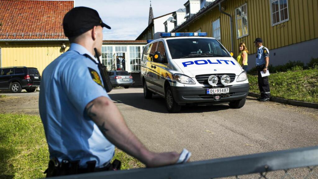 FULLT: Så godt som alle transittmottakene i Norge er fulle. Utlendingsdirektoratet (UDI) jobber på spreng for å finne husly til den økende strømmen av asylsøkere som ankommer landet. Dette bildet er fra en kontroll ved Refstad transittmottak i Oslo. Foto: Sondre Steen Holvik / Dagbladet