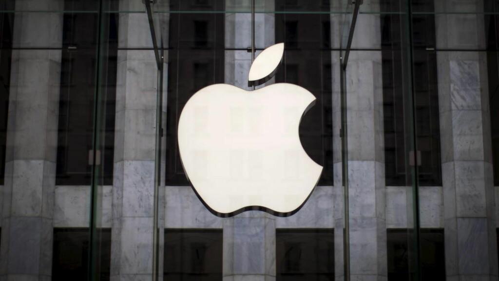 PLAGER BRUKERE: Hackere har angrepet 225.000 iPhoner, og tatt kontroll over Apple-kontoene til eierne, ifølge et amerikansk datasikkerhetsselskap. Foto: REUTERS/Mike Segar