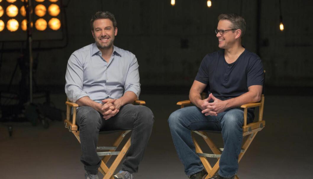 <strong>KOMPISER:</strong> Skuespillerne Ben Affleck og Matt Damon er barndomskompiser. Gjennombruddsfilmen deres ble «Good Will Hunting» i 1997, som de også vant Oscar for i klassen beste manus. Foto: John P. Johnson / HBO Nordic