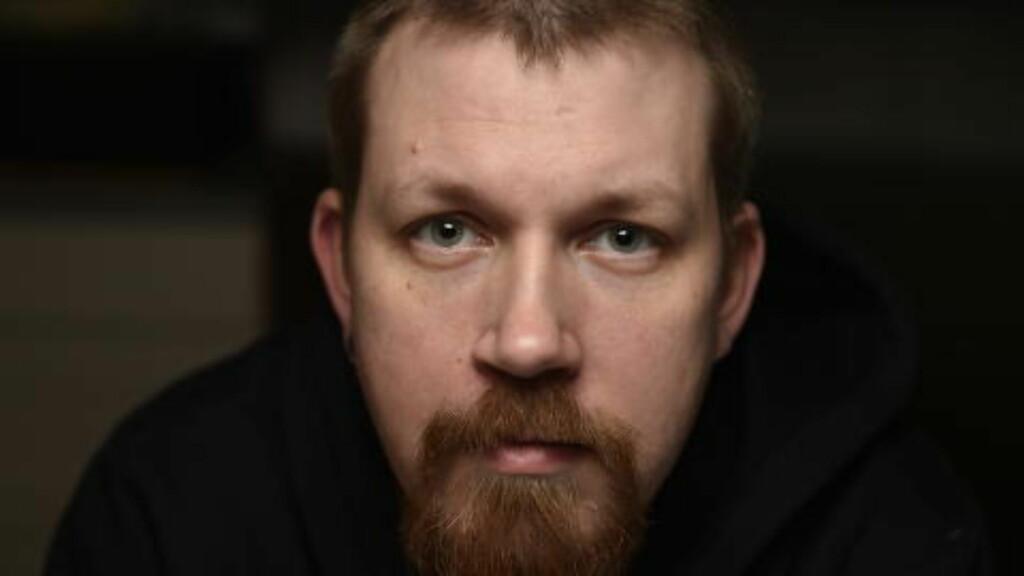 OVERRASKET: Frilansfotograf Henrik Sundgård er overrasket over at hans bilder av Petter Northugs ulykke er med i storfilmen «Mission: Impossible - Rogue Nation». Foto: Privat