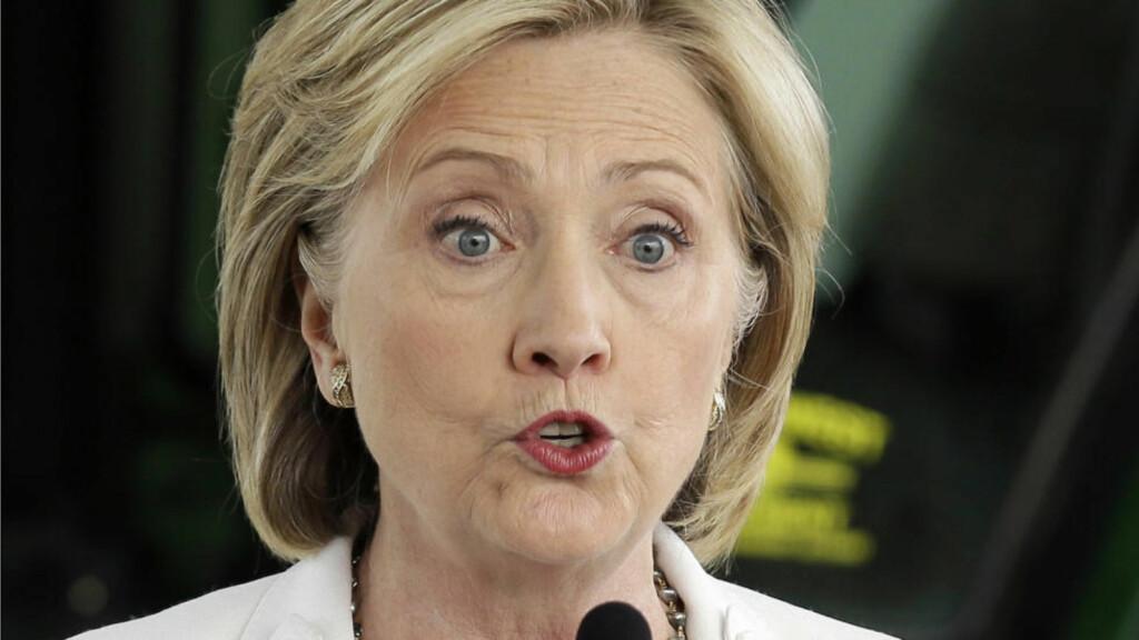 BEKLAGER: Hillary Clinton beklager at hun brukte privat epost da hun skulle ha brukt sin offisielle epost-konto som utenriksminister. Foto: AP / Charlie Neibergall / NTB scanpix