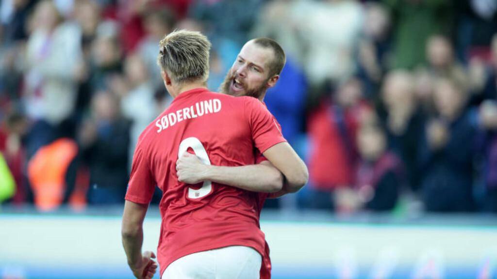 HELT: Jo Inge Berget scoret begge Norges mål. Foto: Bjørn Langsem / Dagbladet
