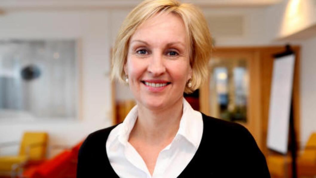 <strong>STERK FILM:</strong>Hilde Skyvulstad, avdelingsdirektør i Helsedirektoratet, sier til Dagbladet at den thailandske kampanjevideoen er interessant og sterk. Foto: Rebecca Ravneberg/Helsedirektoratet