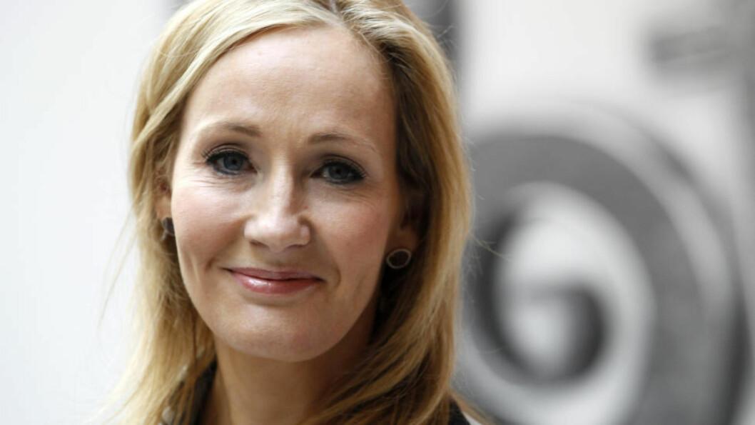 ANGRER HUN? J.K. Rowling har blitt viden kjent etter å ha skrevet bøker som omhandler universet om Harry Potter. Nå beklager hun at hun lot en av karakterene i bøkene dø. Foto: NTB Scanpix