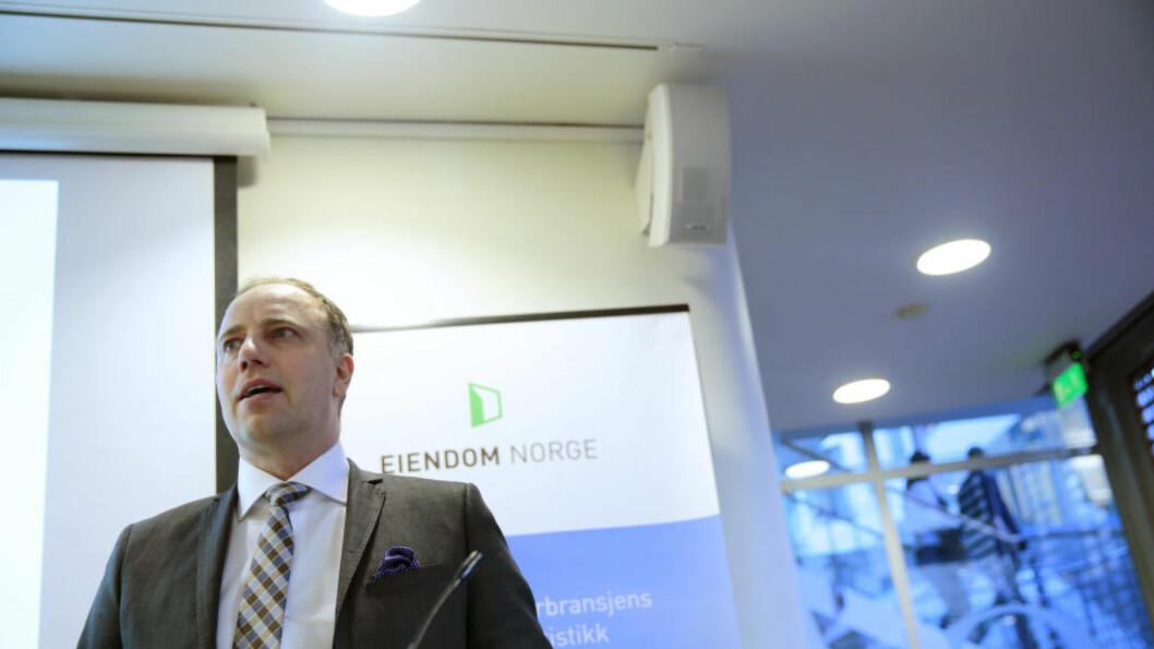 BOLIG: Administrerende direktør Christian Vammervold Dreyer i Eiendom Norge presenterer boligprisene for april 2015. Foto: Stian Lysberg Solum / NTB scanpix