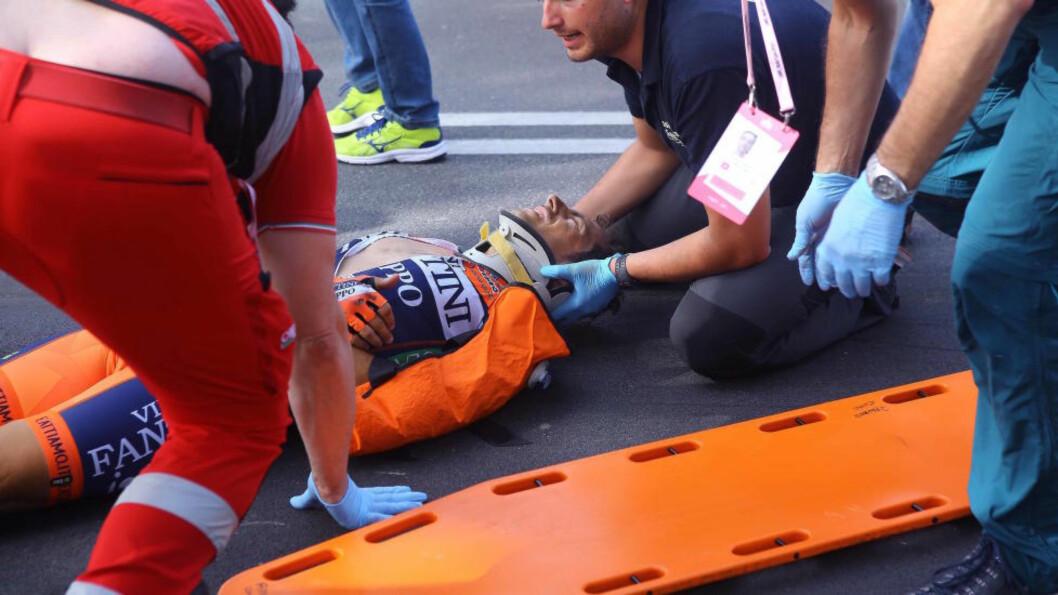 <strong>STYGG VELT:</strong> Daniele Colli røk ut av Giroen etter seks etapper. Italieneren er nå operert, men vil straffeforfølge tilskueren som forårsaket velten. Foto: Tim de Waele (©TDWSport.com).