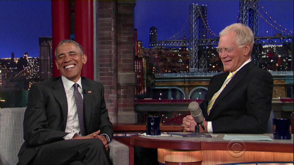 LEVENDE LEGENDE: David Letterman takker for seg, etter 33 år som talkshow-vert. Onsdag sendes det aller siste «Late Show with David Letterman». President Barack Obama var nylig innom for å takke legenden for hva han betydd for det amerikanske folk. Foto: Scanpix