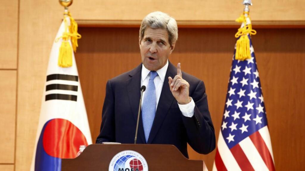 ADVARER: USAs utenriksminister John Kerry er på besøk i Sør-Korea og holdt i dag pressekonferanse etter et besøk hos sin kollega i Seoul. Foto: Jeon Heon-Kyun/EPA