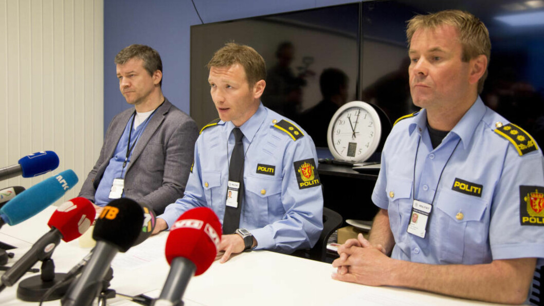 <strong>OVERGREPSSAK:</strong>  Ettterforskningsleder Yngve Myrvoll (i midten) sier at saken mot 30-åringen som er siktet for seksuelle overgrep mot 11 barnehagebarn, kan ha et større omfang.  Foto: Jan-Morten Bjørnbakk / NTB Scanpix