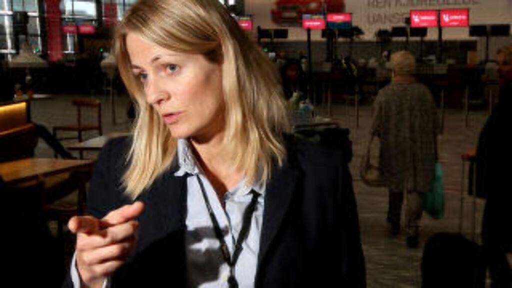 RASKERE KONTROLL:  - Kostnaden på prosjektet er 6 millioner kroner, men vi regner med å tjene inn investeringskostnadene på prosjektet i løpet av ett år, sier Lisbeth Dønnum Jensen, kvalitetskontroller på Oslo Lufthavn.
