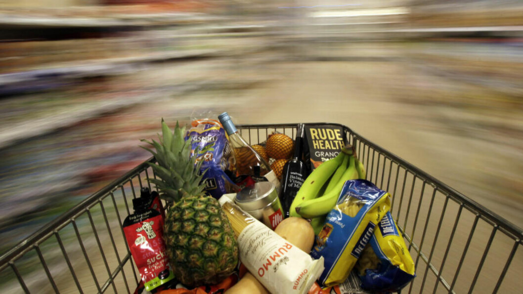 <strong>FORBUD:</strong> Franske matvarekjeder får ikke lenger lov til å kaste usolgt mat, men må gi den til veldedighet eller sørge for at den blir til dyrefor. Foto: Reuters / NTB scanpix