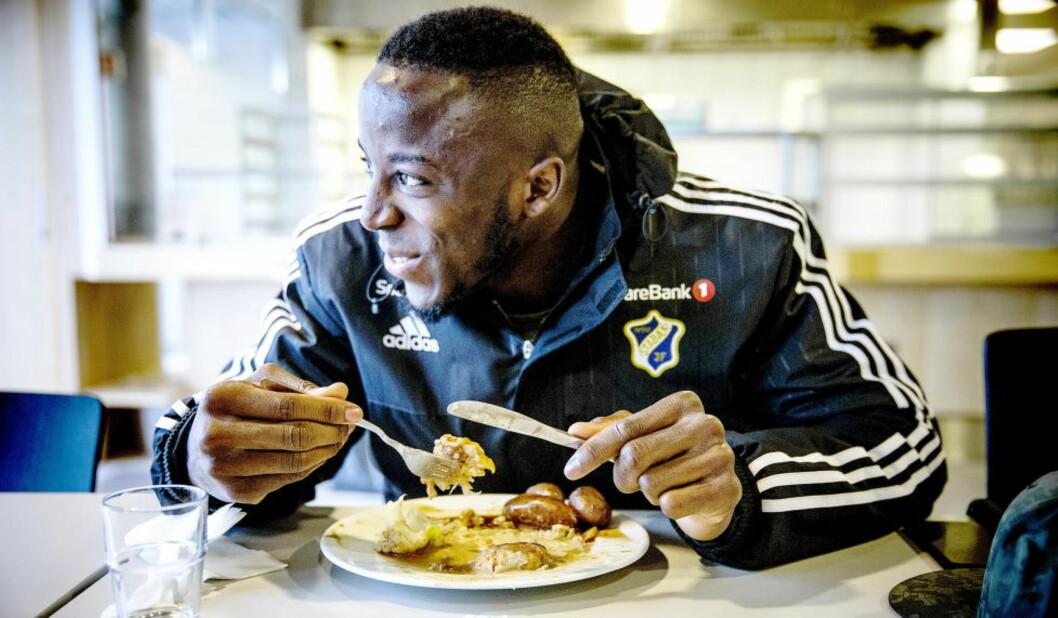 <strong>ALT FOR NORGE:</strong> Stabæk-spiss Adama Diomande hadde ikke bestemt seg for om han ønsket å representere Norge eller Elfenbenskysten på landslagsnivå. Men da den norske landslagsledelsen ringte nølte han ikke. Nå er det alt for Norge. Foto: Bjørn Langsem