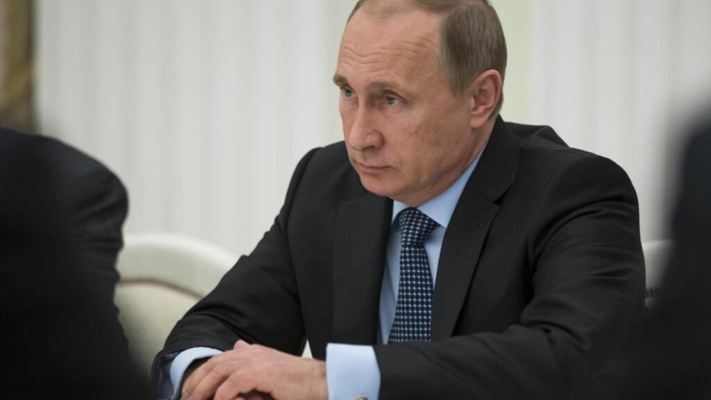 SAKSØKER: - Hovedmålet vårt er å tiltrekke oss samfunnets oppmerksomhet rundt dette skammelige fenomenet. Vi håper vi kan stenge denne nett-trollfabrikken og bekjempe propagandaen, sier et av Putins tidligere nettroll, som nå har saksøkt arbeidsgiveren. Foto: AP Photo  / Pavel Golovkin