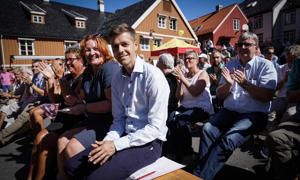 VIL ÅPNE GRENSENE: KrF-leder Knut Arild Hareide oppfordret i dag regjeringen til å gjøre plass for flere kvoteflyktninger i høstens statsbudsjett. Det sier Sylvi Listhaug nei til. Foto: Øistein Norum Monsen/Dagbladet.