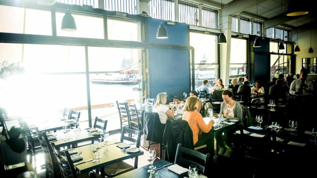 <strong>POPULÆR:</strong> Solsiden restaurant er bare åpen om sommeren, men rekker likevel å selge mange tusen sjømatfat i løpet av sesongen. Foto: Thomas Rasmus Skaug / Dagbladet