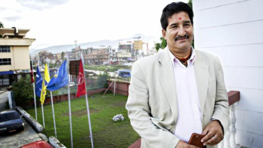 STOR JOBB: Ganesh Thapa, fotballpresident i Nepal og visepresident i det asiatiske fotballforbundet, håper på FIFA-hjelp for å gjenoppbygge nepalsk fotball etter jordskjelvene. Foto: Nina Hansen / Dagbladet