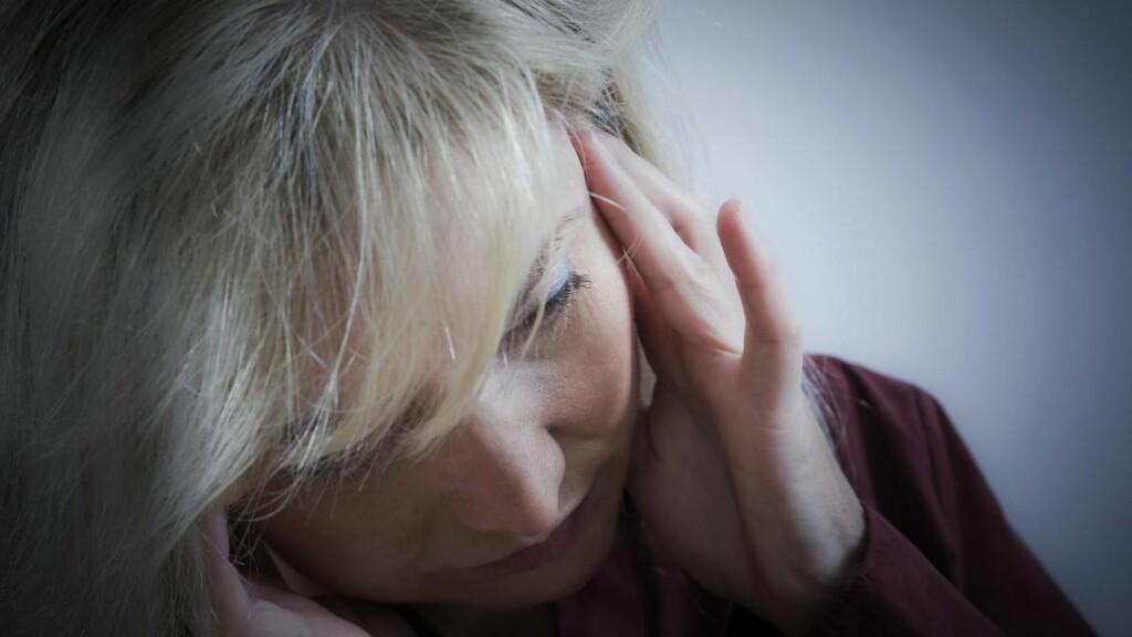 STORT PROBLEM:  Migrene er et stort problem blant kvinner i fertil alder, mener professor i nevrologi Lars Jacob Stovner. Omtrent 500 000 nordmenn har migrene.  Foto: NTB Scanpix / Microstock