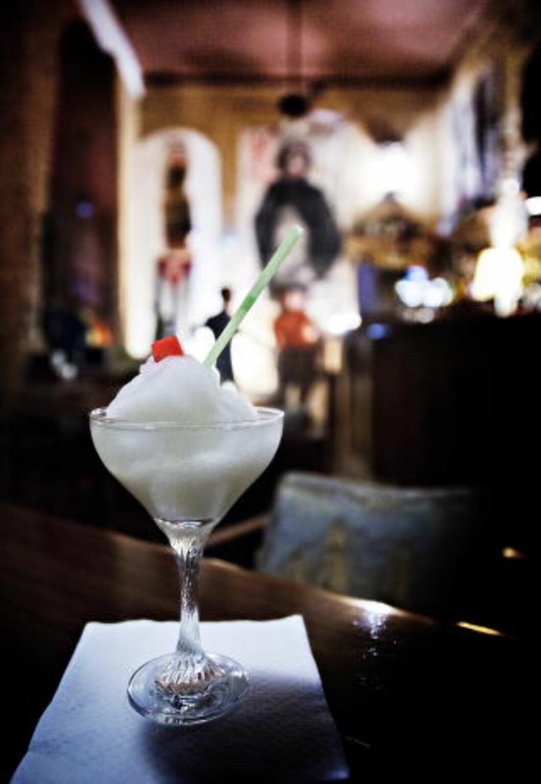 <strong>CUBANSKE DRINKER:</strong> På Madrigal i 17. gate i Vedado, kan du nyte en daiquiri. Foto: NINA HANSEN