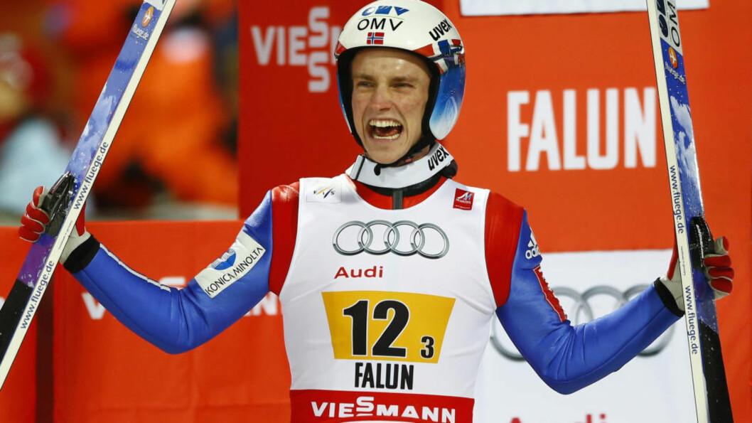 <strong>NY PALLPLASS:</strong> Anders Fannemel har hatt en svært god sesong, og vartet i dag opp med en tredjeplass i Lahti. Foto: AP Photo / Matthias Schrader / NTB Scanpix