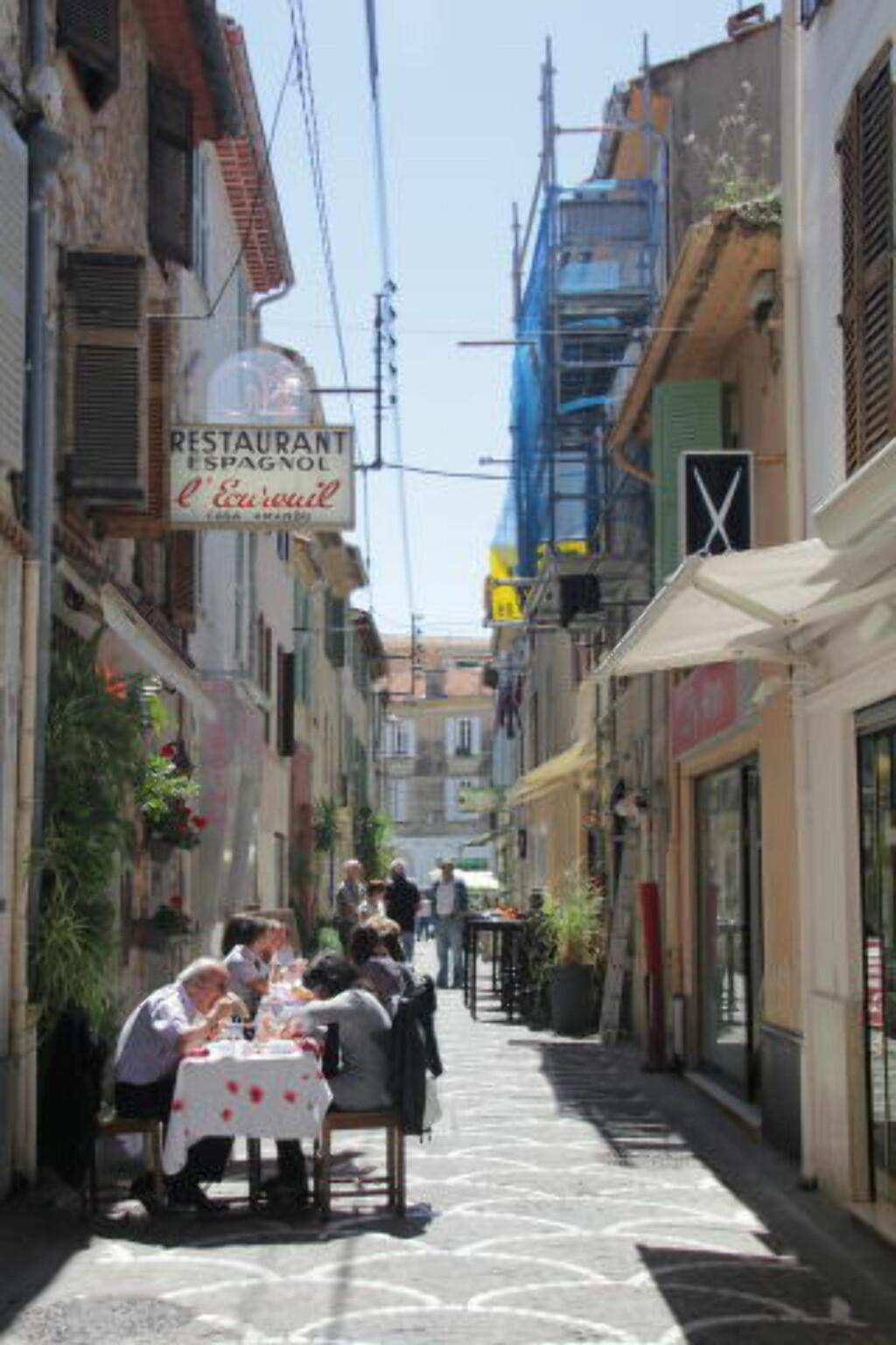 ANTIBES: Flere av verdens største kunstnere har latt seg bergta av Rivieraen, og særlig Antibes. Foto: KJERSTI VANGERUD