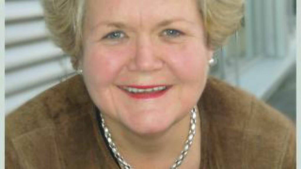 PASS PÅ I SIKKERHETSKONTROLLEN: Assisterende informasjonsdirektør i If og Europeiske reiseforsikring, Emma Elisabeth Vennesland, sier de jevnlig får henvendelser fra kunder som har blitt frastjålet eiendeler på Oslo Lufthavn. Hun oppfordrer deg til å passe godt på, også i sikkerhetskontrollen. Foto: IF