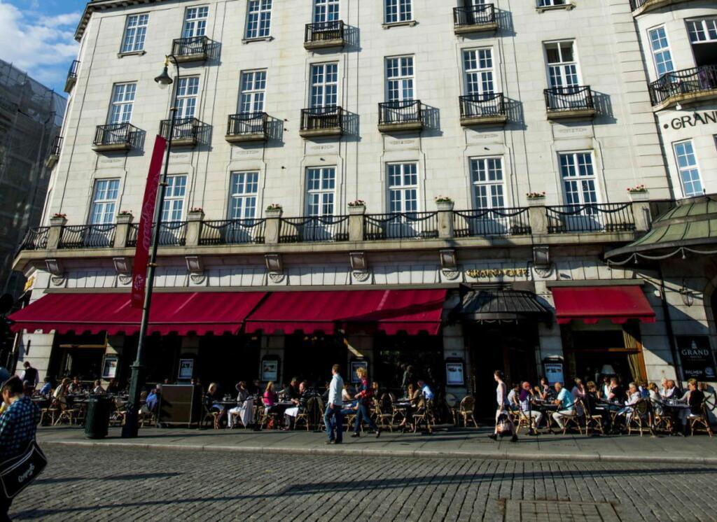 PROMINENT: Restaurant Grand Cafe har en prominent plassering på hovedstadens paradegate, vis-a-vis Eidsvolds plass. Foto: Thomas Rasmus Skaug / Dagbladet