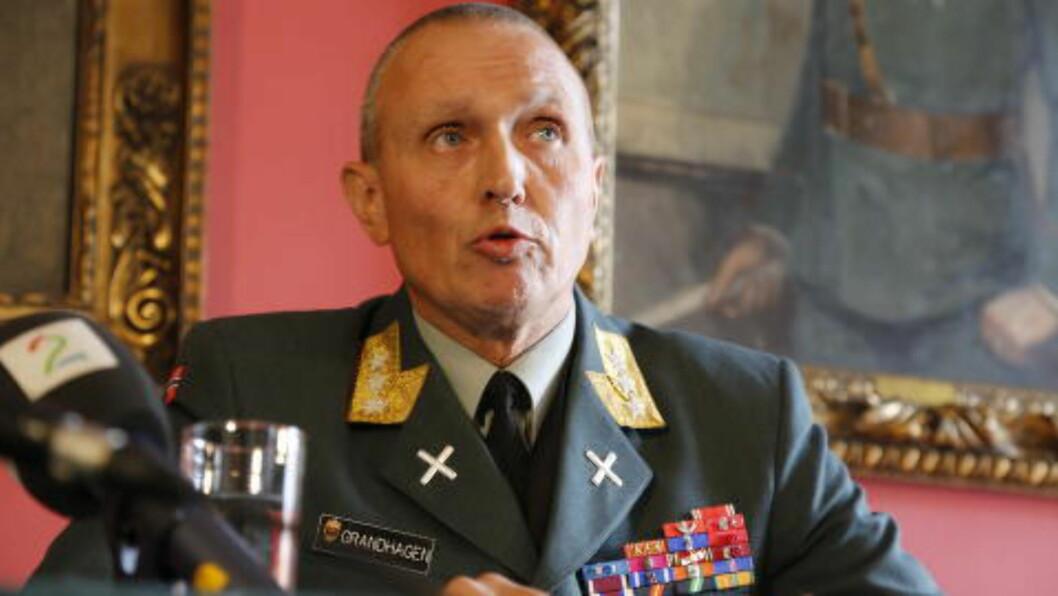 <strong>ETTERRETNINGS-SJEF:</strong>  Generalløytnant Kjell Grandhagen er sjef for E-tjenesten. Foto Jacques Hvistendahl.