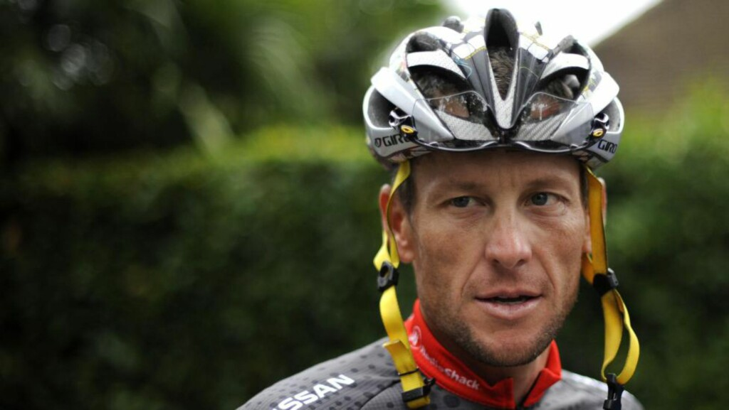VIL TIL TOUREN: Lance Armstrong ønsker å sykle deler av årets tur for veldedighet. Det er snakk om etappe nummer 13 og 14, nærmere bestemt den 16. og 17. juli. Foto: AFP / NATHALIE MAGNIEZ / NTB Scanpix