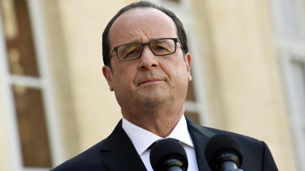 <strong>KRISEMØTE:</strong> Den franske presidenten, Francois Hollande, kaller hans viktigste ministre inn til krisemøte om Hellas-problematikken. Foto: AFP PHOTO / LOIC VENANCE