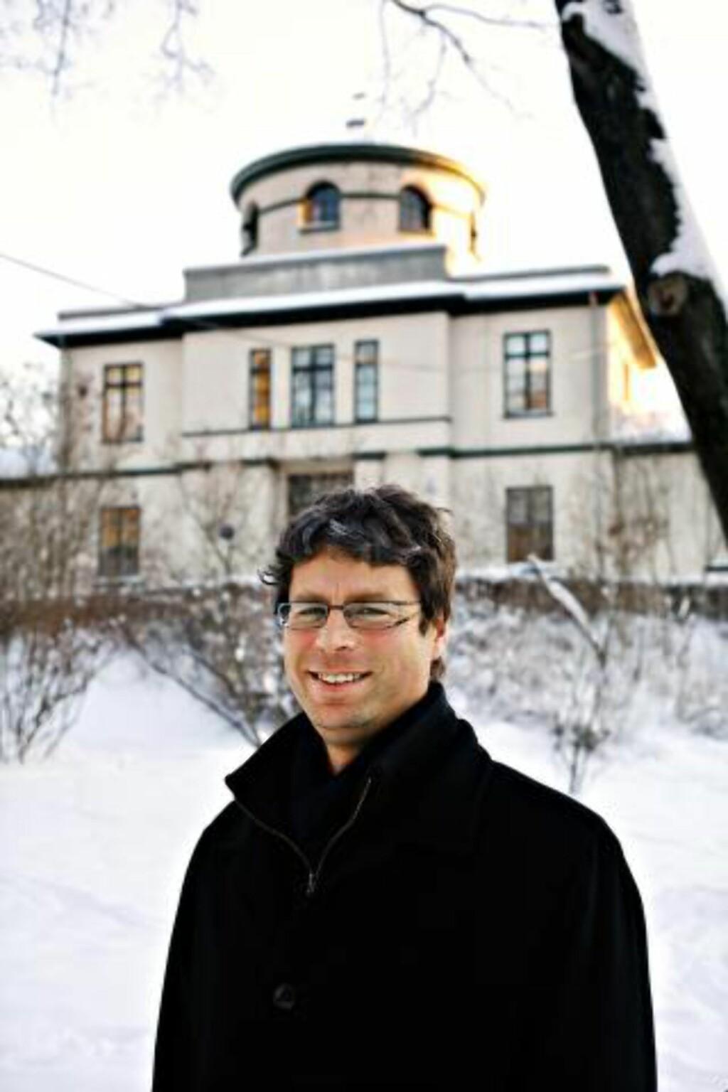 - EN VIKTIG DEL: Frode Helland, leder for Senter for Ibsen-studier, er ikke svært bekymret for at Grand Café forsvinner, men håper likevel at kulturarven blir ivaretatt. Foto: Dagbladet