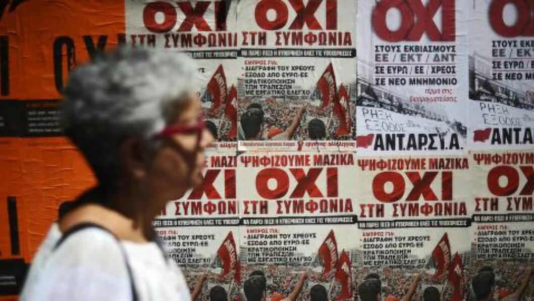 OXI? Ja-siden fikk et forsprang på valgmålingene torsdag. Statsministeren ønsker grekerne skal stemme nei. Foto: EPA/FOTIS PLEGAS G.  EPA/FOTIS PLEGAS G.