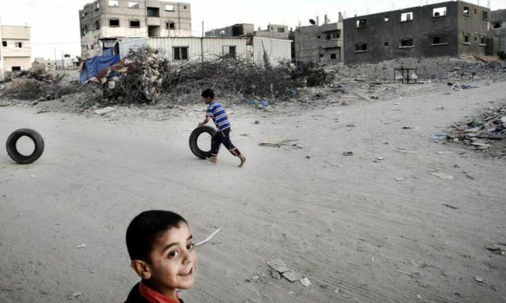 image: Ikke ett av de over 12 000 bombeknuste husene i Gaza er bygget opp. Er det ingen som bryr seg?