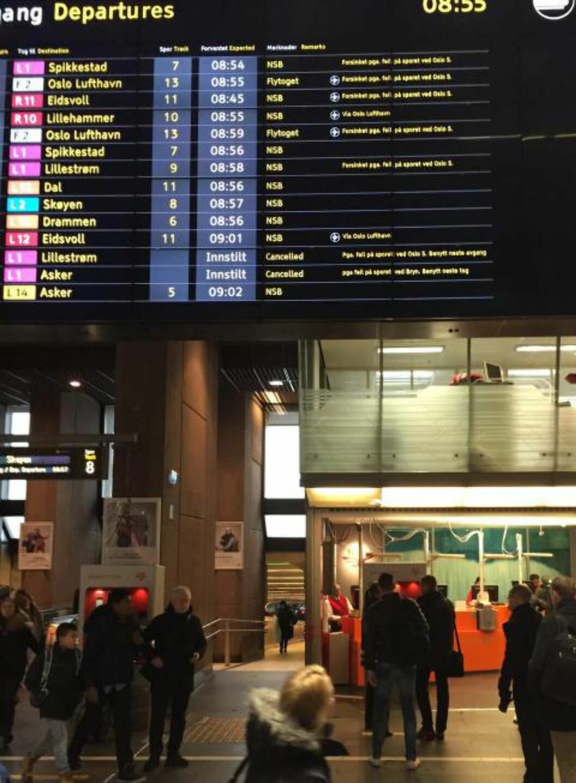 Kaos: Togtavla på Oslo S like før klokka 9 i morges