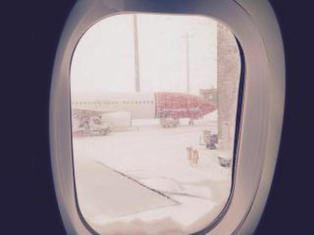 <strong> FLYFORSINKELSER:</strong>  Gardermoen meldte om 20 minutters forsinkelser. Klokka 11.25 kommer  beskjed om at hele flyplassen er stengt. Foto: Svend Aage Madsen.