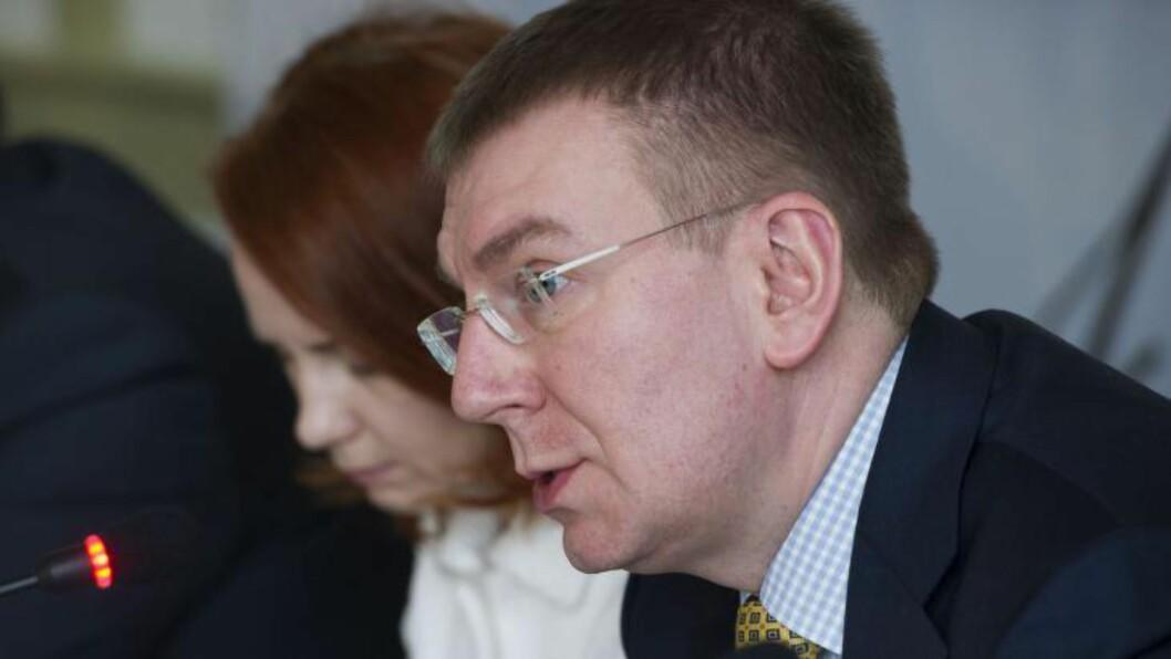 <strong>ADVARER:</strong> Latvias utenriksminister Edgars Rinkevics mener Russlands ordkrig med vesten kan få fatale konsekvenser. Foto: Samuel Kubani / AFP photo / NTB scanpix