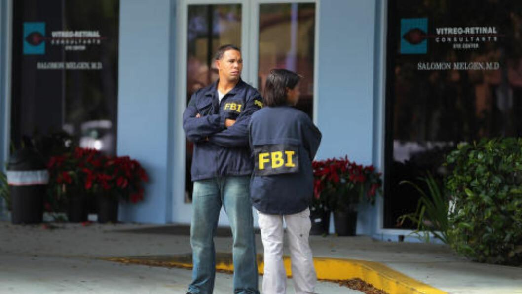 <strong>RAZZIA:</strong> 30. januar 2013 raidet FBI kontorene til øyelege Salomon Melgen. Foto: AFP/NTB Scanpix