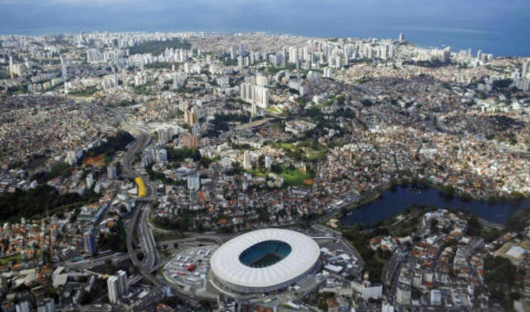 <strong>FONTE NOVA:</strong> Arena Fonte Nova ligger i den brasilianske byen Salvador. Foto: AP Photo/Rodrigo Abd