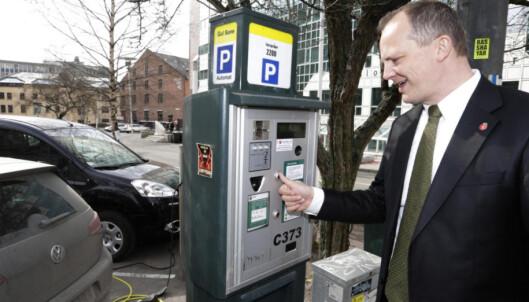 Nå kan det bli billigere å parkere ulovlig