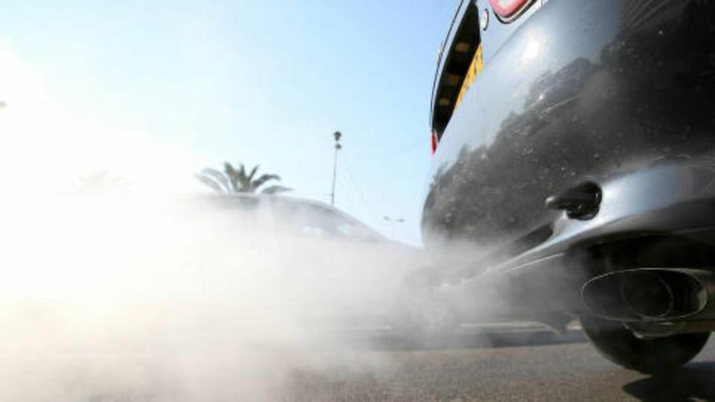 FORTSATT FARLIG: Ja, partikkelmengden er kraftig redusert i utslippene fra nye dieselbiler. Men de skadelige nitrogenoksidene ligger fortsatt på et mye høyere nivå enn det som offisielt blir oppgitt... Foto: COLOURBOX.COM