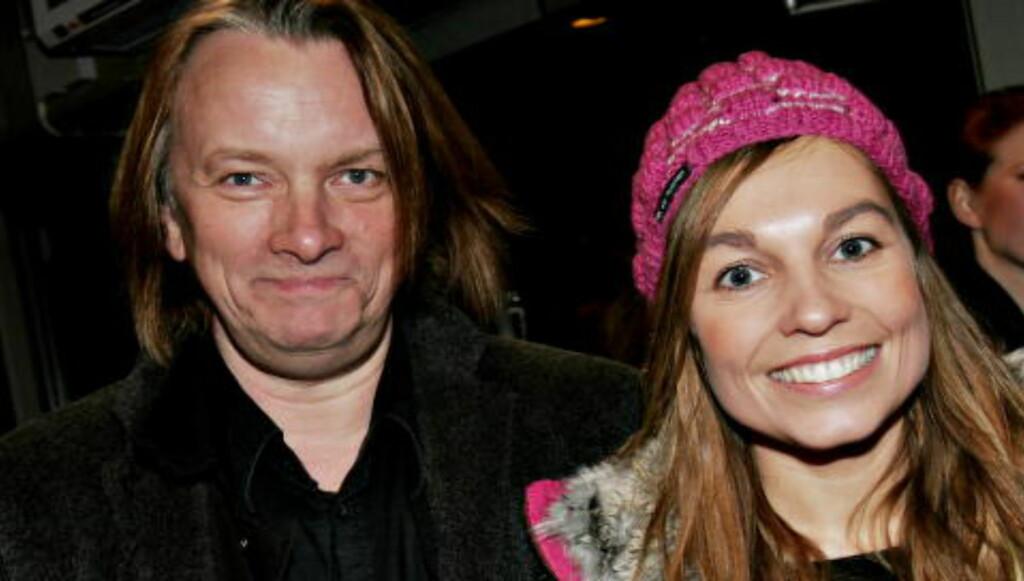 TI ÅR SIDEN: Jan Eggum og Kaja Huuse mens de var et par - her på en premiere i 2005. Foto: Andrea Gjestvang