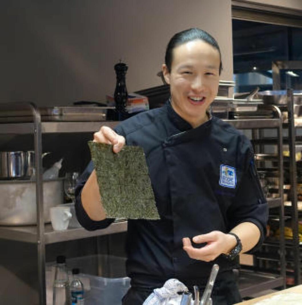<strong>LAG SELV:</strong> Wilson Chung anbefalte oss å lage sushi-ingefæren selv, dersom vi hadde tid, og lovet at det ville smake bedre enn kjøpevarianten. Det gjorde det. FOTO: ELISABETH DALSEG / DINSIDE