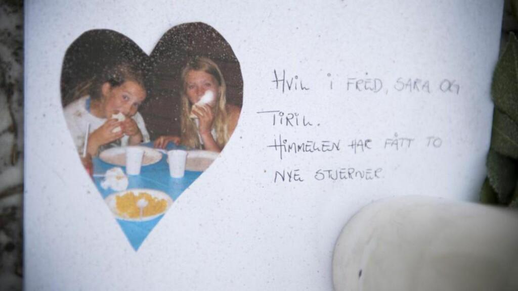 VENNINNER:  En siste hilsen til Sara og Tiril lagt ned på ulykkesstedet på Bjørkelangen dagen etter ulykken. FOTO: ENDRE VELLENE/DAGBLADET.