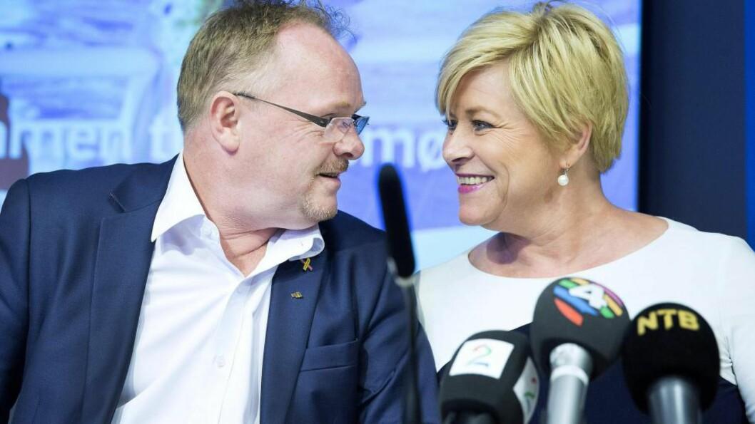 <strong>FULL TILLIT:</strong>  Siv Jensen har full tillit til sin nestleder. -  Per er en begeistret tilhenger av regjeringsdeltakelsen vår. Han er flink til å formidle til partiorganisasjonen hva vi får til, og til å formidle tilbake til hva medlemmene mener vi bør ta tak i, sier hun. Foto: Håkon Mosvold Larsen, NTB Scanpix