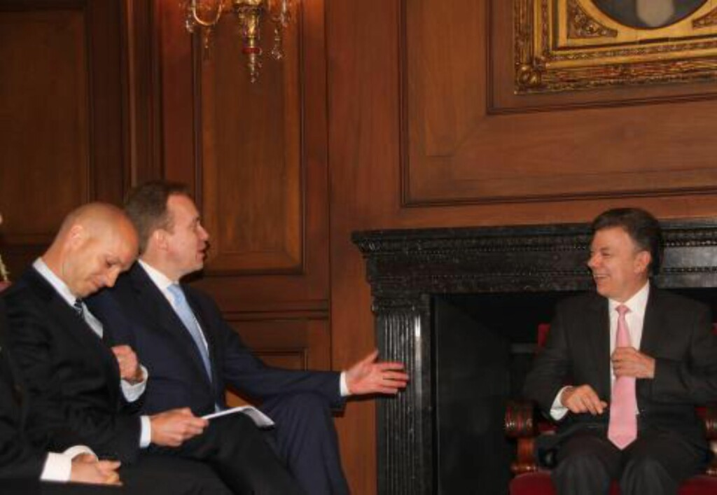 COLOMBIA: Brende møtte president Juan Manuel Santos i Bogota i februar 2014, og fortsatte til Flyktningehjelpen i privatfly. Foto: Kristin Enstad / UD
