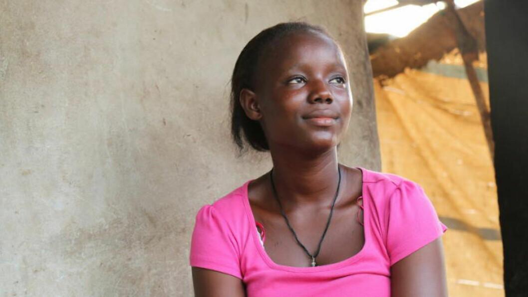 MISTET HELE FAMILIEN: 16 år gamle Abibatu mistet to brødre, mor og far i ebola-epidemien i Vest-Afrika. Foto: Plan Norge