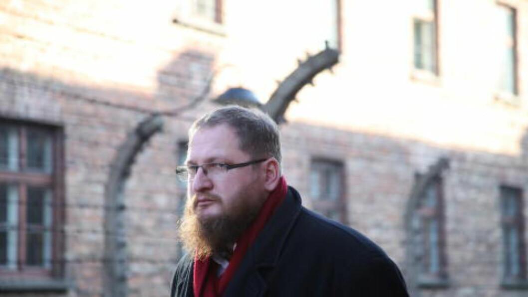 <strong>DIREKTØR FOR DØDSLEIREN:</strong> Piotr Cywinski markerer på tirsdag at det er 70 år siden den Røde hær befridde Auschwitz.  Men Vladimir Putin kommer ikke.  (Foto: Asbjørn Svarstad)